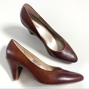 Roberto Vianni brown leather pumps